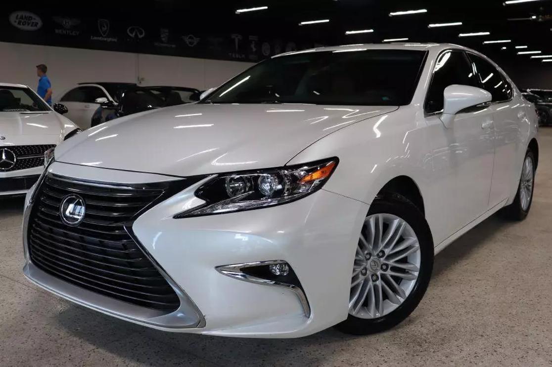 2017 LEXUS ES | Discovery Auto Center