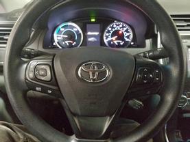 2017 Toyota Camry Hybrid - Image 12