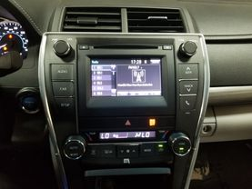 2017 Toyota Camry Hybrid - Image 16