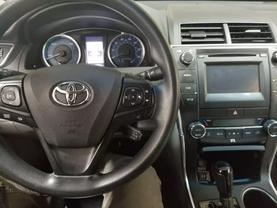 2017 Toyota Camry Hybrid - Image 11