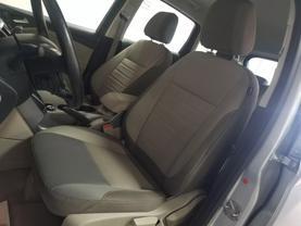 2015 Ford C-max Hybrid - Image 9