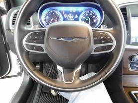 2017 Chrysler 300 - Image 20