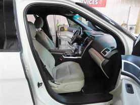 2011 Ford Explorer - Image 11