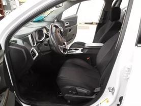 2013 Chevrolet Equinox - Image 16