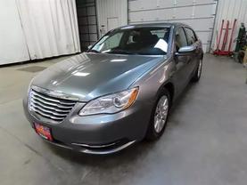 2013 Chrysler 200 - Image 7