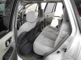 2005 Hyundai Santa Fe - Image 13