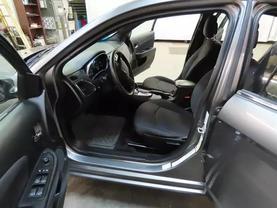 2013 Chrysler 200 - Image 17