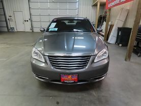 2013 Chrysler 200 - Image 8