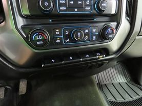 2017 Chevrolet Silverado 1500 Crew Cab - Image 20