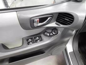 2005 Hyundai Santa Fe - Image 15