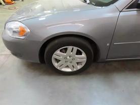 2007 Chevrolet Impala - Image 8