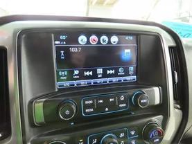2017 Chevrolet Silverado 1500 Crew Cab - Image 19