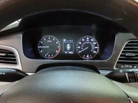 2016 Hyundai Sonata - Image 22