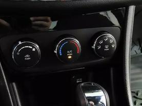 2013 Chrysler 200 - Image 20