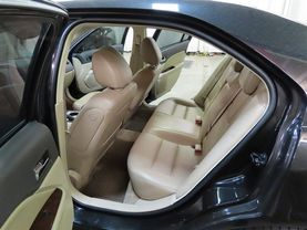 2010 Ford Fusion - Image 16