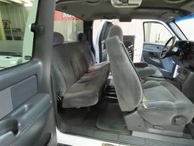 2000 Chevrolet Silverado 2500 Hd Extended Cab - Image 12