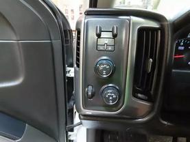 2017 Chevrolet Silverado 1500 Crew Cab - Image 24