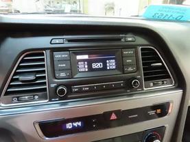 2016 Hyundai Sonata - Image 18