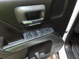 2017 Chevrolet Silverado 1500 Crew Cab - Image 18