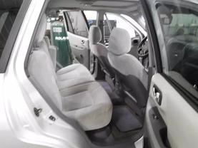 2005 Hyundai Santa Fe - Image 11