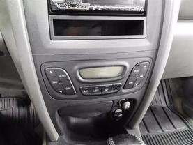 2005 Hyundai Santa Fe - Image 17