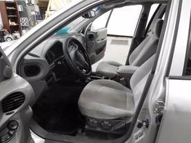 2005 Hyundai Santa Fe - Image 14