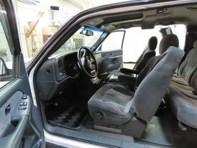 2000 Chevrolet Silverado 2500 Hd Extended Cab - Image 16