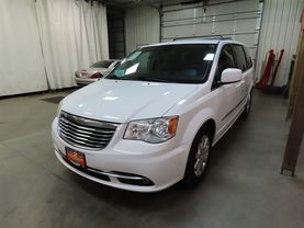 2014 Chrysler Town & Country - Image 6