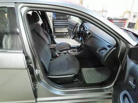 2013 Chrysler 200 - Image 12