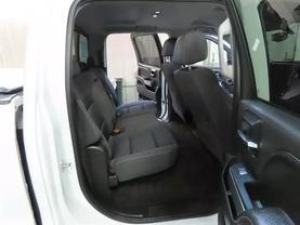 2017 Chevrolet Silverado 1500 Crew Cab - Image 12