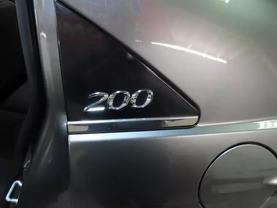 2013 Chrysler 200 - Image 15