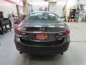 2017 Mazda Mazda6 - Image 4