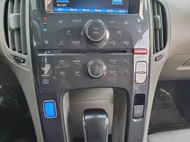 2013 Chevrolet Volt - Image 14