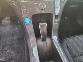 2014 Chevrolet Volt - Image 13