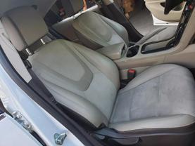 2013 Chevrolet Volt - Image 20
