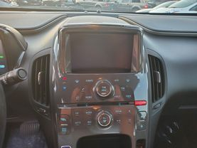 2014 Chevrolet Volt - Image 12