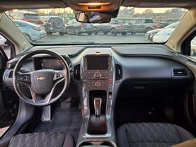 2014 Chevrolet Volt - Image 19