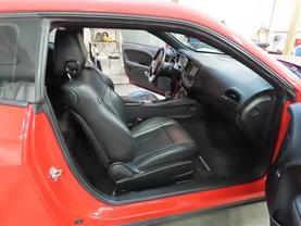 2015 Dodge Challenger - Image 11