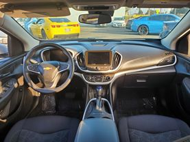 2017 Chevrolet Volt - Image 20