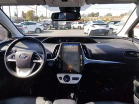2017 Toyota Prius Prime - Image 11