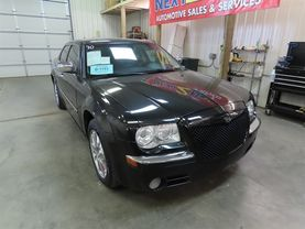 2010 Chrysler 300 - Image 2