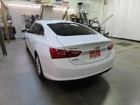 2018 Chevrolet Malibu - Image 5