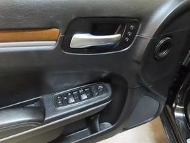 2013 Chrysler 300 - Image 19