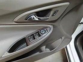2018 Chevrolet Malibu - Image 18