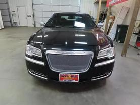 2013 Chrysler 300 - Image 7