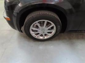 2010 Chrysler 300 - Image 8