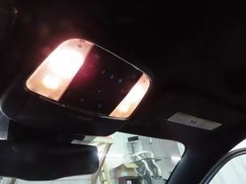 2013 Chrysler 300 - Image 27