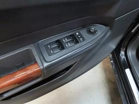 2010 Chrysler 300 - Image 16