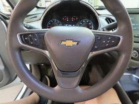 2018 Chevrolet Malibu - Image 22