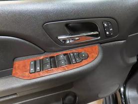 2008 Chevrolet Suburban 1500 - Image 21